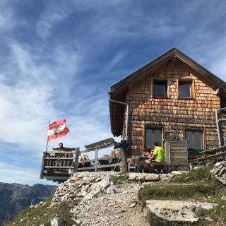 Werfener Hütte 1.969 m