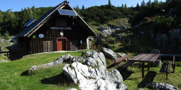 am Hochplateau - die Sarsteinhütte