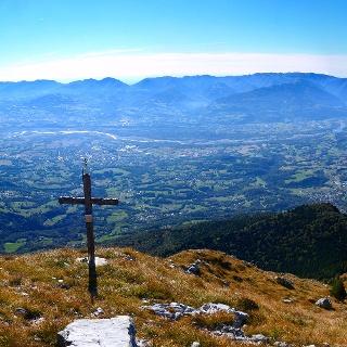 Vista verso sud dall'anticima del Monte Cimone.