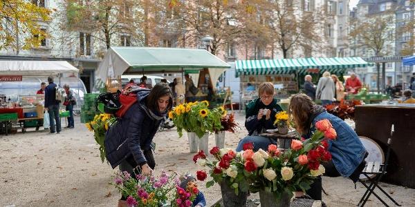 Markt im Helvetiagärtli im Quartier Hirschmatt-Neustadt