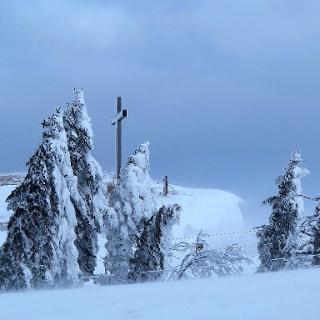 Gipfelkreuz auf der Röti.