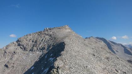 Gipfelaufbau Kraxentrager noch schneefrei