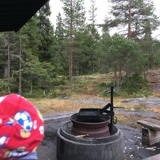 Hällskäret, shelter and campfire place, Kokkola