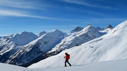 Schneeschuhwandern auf dem Arbätrail.