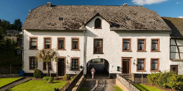 Haus Peckeneck Burg Reuland