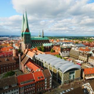 Ausblick vom Turm der St. Petri Kirche auf Lübeck