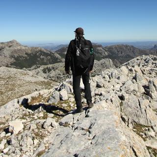 Gipfel Simancon 1569m. Der zweithöchste Gipfel in der Sierra de Grazalema