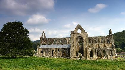 Tintern Abbey im malerischen Wye Valley