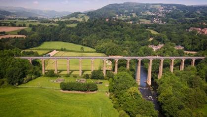 Pontcysyllte-Aquädukt über dem Fluss Dee