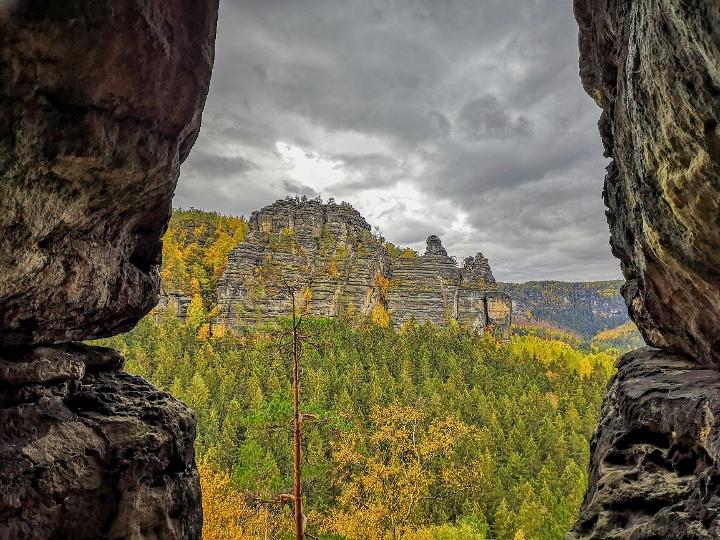 Foto Aussicht aus der Klufthöhle im Hinteren Raubschloss