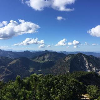 Ausblick Richtung Zugspitze und Karwendel