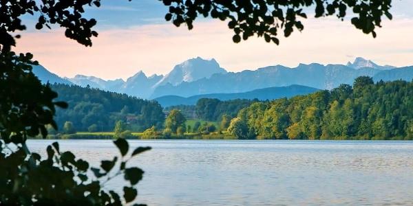 Blicküber den Abtsdorfer See zum Watzmann