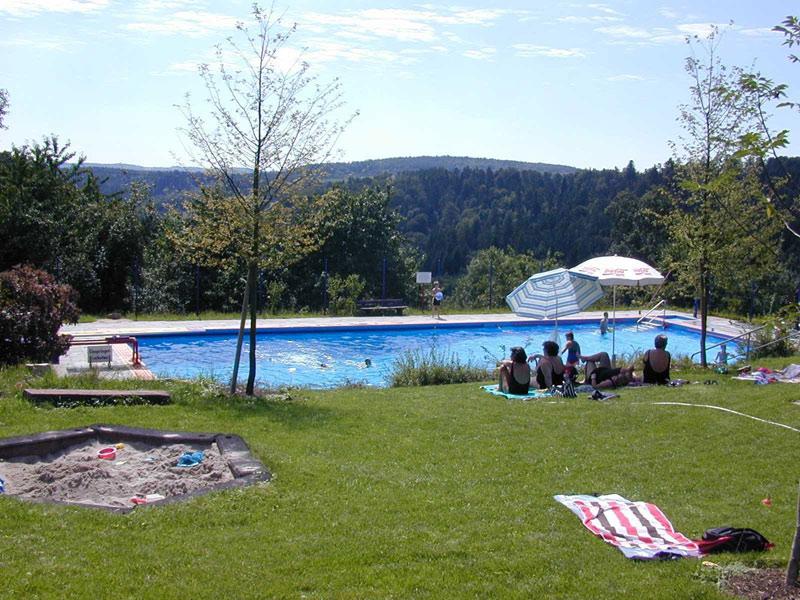 Freibad in Buhlbronn   - © Quelle: Agentur arcos