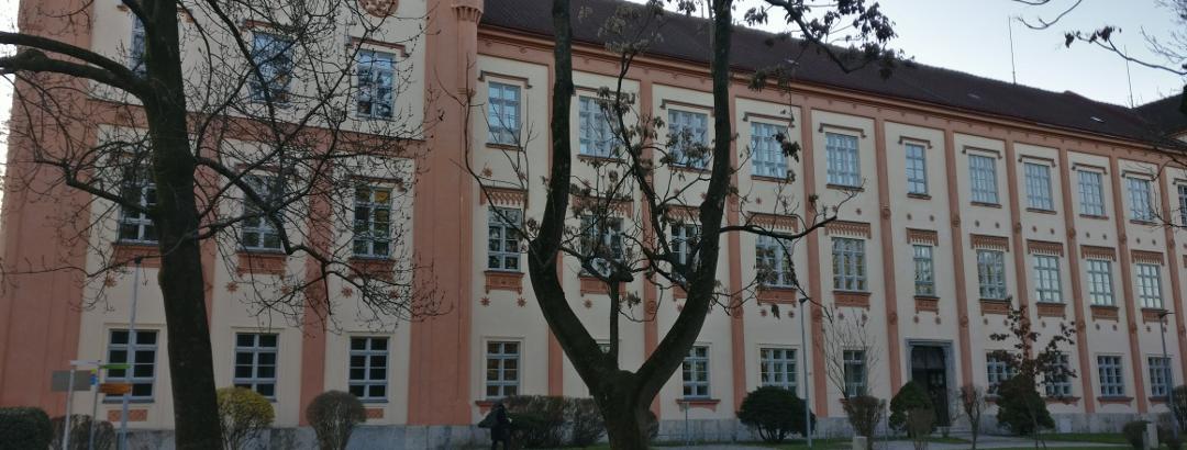 "Graz-Liebenau  - ""Kadettenschule"" heute Gymnasium"