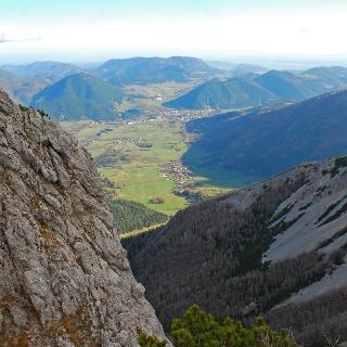 Blick vom oberen Novembergrat in Richtung Schneebergdörfl
