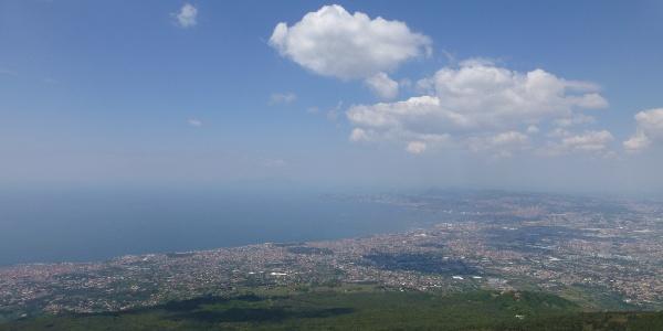 Blick auf Neapel vom Vesuv aus