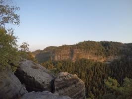 Foto Aussicht vom Winterstein (Hinteres Raubschloss) zu den Bärenfangwänden