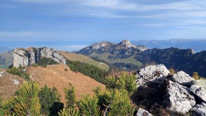 Blick vom Bogartenfirst hinüber zur Alp Sigel und dem Südgrat vom Gipfel Alp Sigel
