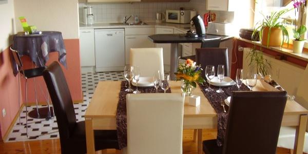 Küche und Eßbereich OG
