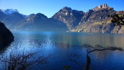 Auf dem Weg der Schweiz am Vierwaldstättersee.