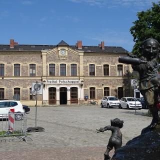 Bahnhof Potschappel vom Platz des Handwerks aus gesehen