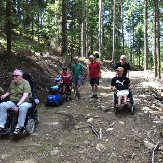 Mit dem Rollstuhl zum Braunberg Ostgipfel