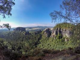 Foto Aussicht vom Oberen Terrassenweg - links der Rauschenstein