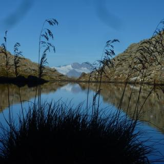 Gschrittsee (jetzt im Schatten) mit Grossglockner im Hintergrund