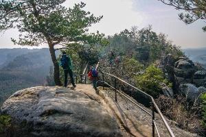 Foto Abenteuerlich und schön führt der Weg über die Schrammsteine