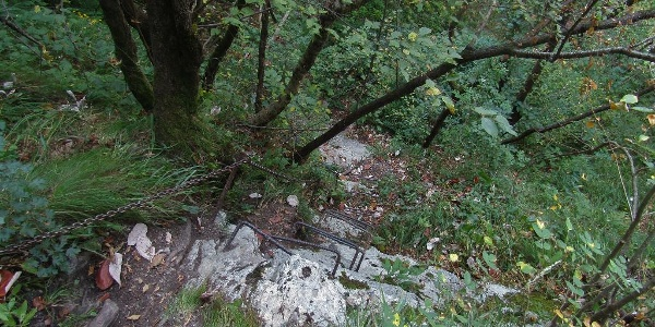 Secured trail to the upper section of the Krampež Waterfall