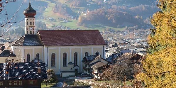 Blick auf die Pfarrkirche Hl. St. Jodok