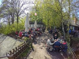 Foto Die urige Gaststätte auf dem Papststein