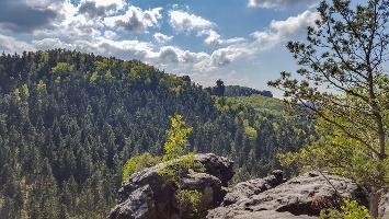 Foto Die Aussichtsstelle auf dem Kleinhennersdorfer Stein