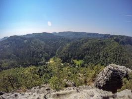 Foto Aussicht vom Großen Teichstein - im Tal das Alte Zeughaus