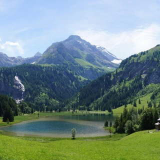 Beautiful Lauenensee
