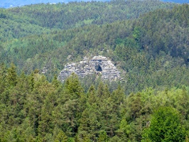 Foto Die Kleinsteinhöhle ist schon von Weitem sichtbar