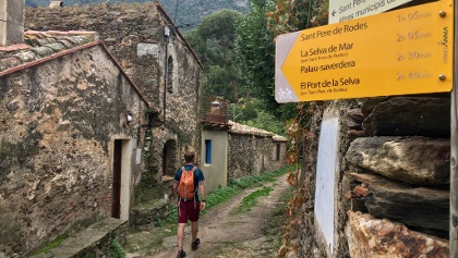 Following the path to Sant Pere de Rodes.