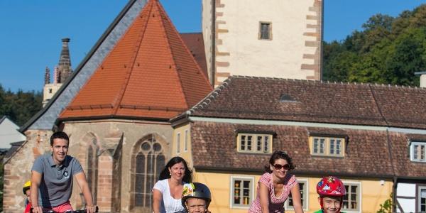 Radfahrer an der Kirche St. Marien Gera-Untermhaus