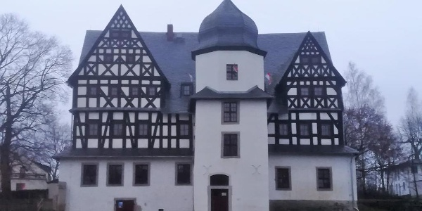 Herbststimmung am Treuener Schloss