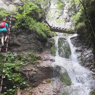 Dolina Kyseľ / vodopád