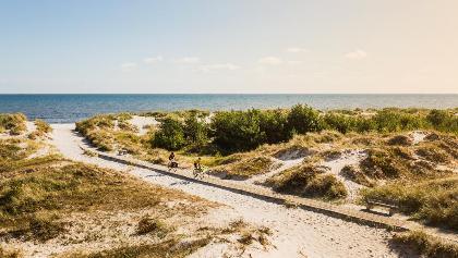 Radfahren am Sandhammaren-Strand