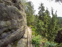 Foto Auf dem Weg zur Kleinsteinhöhle