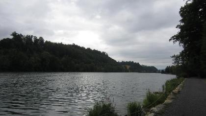 Spazierweg entlang dem Rotsee