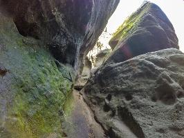 Foto In den bizarren Felsschluchten des Wildschützensteigs