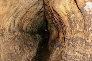 Foto Enge Höhlengänge im Labyrinth