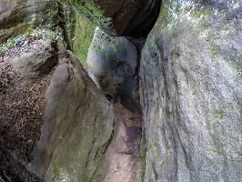 Foto Der interessante Weg zur Goldschmidthöhle auf dem Pfaffenstein