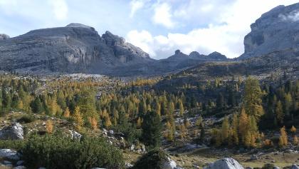 Großfanesalm und Valun Blanch mit Umrahmung: Furcia Rossa III, Monte Castello, Monte Casale, Monte Cavallo und Campestrin.