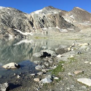 Lago di Goletta. Becca La Traversière