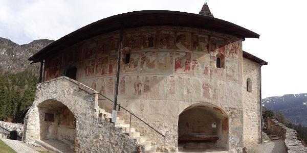 Danza Macabra affrescata dai Baschenis sulla Chiesa di Santo Stefano a Carisolo