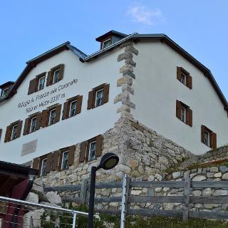 Kölner Hütte 2337 m